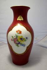 Vase,Porzellan,rot,mit Feld-Blumenstrauß bemalt, Marke: Lindner,Kueps-Bavaria