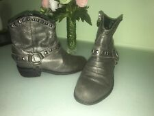 JUICY COUTURE GIRLS LEATHER BOOTS WITH STUDS SIZE 13