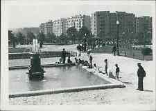 Paris, inauguration du square Séverine Vintage silver print Tirage argentiqu