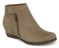 NEW DANSKO Leanna Taupe Nubuck Hidden Wedge Ankle Bootie/Side Zip EU 39/US 8.5-9