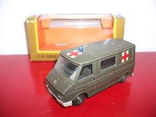 (16.1.16.1) Citroën C35 ambulance militaires en boite ancien vintage Solido