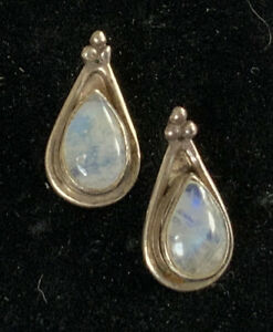 Breath Taking Rare Vintage Exquisite Sterling Silver 925 Moonstone Earrings CV63