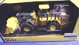 John Deere Prestige Collection 944K Wheel Loader Die-cast 1/50 Scale new n box