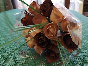 Bouquet de Roses Fleurs Bois Artificielles Anniversaire, Nature Braun
