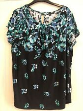 ** Lovely Ladies Summer Flower Top - Size 18 **