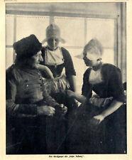 Der Großpapa als letzte Instanz Holländische Tracht von 1911
