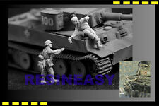 Free shipping resin soldier Jaguar models 1/35  WWll  Have a Drink JA63011