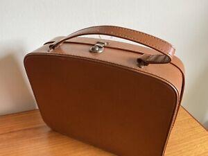 1950's Retro Brown Faux Leather Vinyl Vanity Case  - Vintage Luggage Prop (u/s)