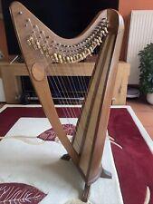 Harfe 24 Saiten mit Halbtonklappen und Stimmschlüssel