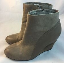 Vince Camuto Women's Gray Brown Leather Wedge Heel Ankle Boot Sz 8