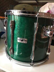"15"" x 13""(deep) made in Japan Yamaha Recording Custom Tom in Deep Green."