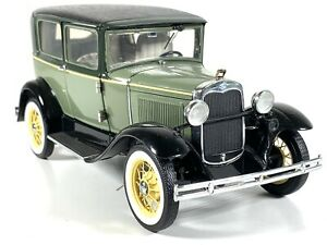 FRANKLIN MINT 1930 GREEN FORD A TUDOR 1/24 SCALE ; DIECAST; ORIG BOX; NO PAPERS