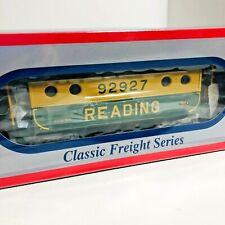 Williams Classic Freight Series Reading 47720 Illuminated Caboose NEW