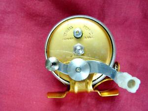 Moulinet ancien de pêche  - marque = PEERLESS  - modèle = Profilé