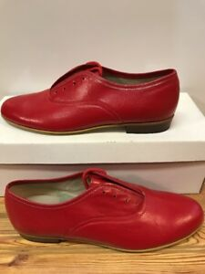 Ms. Stomper  Size 7 N (NARROW) WOMENS Clogging Tap Dance Shoes,(no Taps) Red