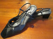 Life Stride Women's Strappy Black Shoes size 6 1/2 M Beautiful