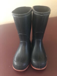 Black  Pull On Rubber Boots Kids Size 8 - Unbranded - 7 1/2 inches tall - Great