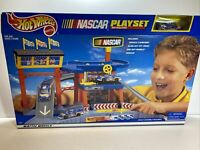 Vintage 1998 Hot Wheels Nascar Playset (65754)  -Brand New in Box
