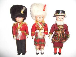 set of 3 dolls Queen´s Soldier Guard plastic Doll imported from England 6 1/2 in