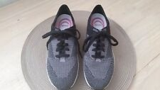 Dr. Scholl's Women's Fabric Sneaker Black and Gray Heel Embellished Size 7 1/2 W