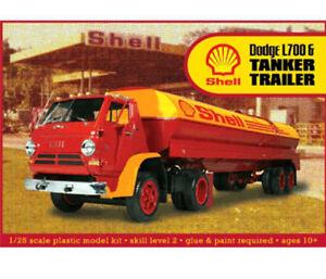 Lindberg Dodge L700 with Shell Tanker Truck 1:25 scale model car kit 118