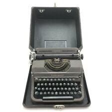 Vintage Underwood Universal portable typewriter with case F1927763