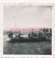 2 x Foto, Flüsse werden überquert (N)1796