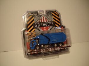 GREENLIGHT 1/64 BLUE 2019 MACK LR REFUSE AND RECYCLE TRUCK DCP TIE