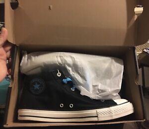 Converse Chuck Taylor Street mid top black / vivid blue men's 11 US NEW in box