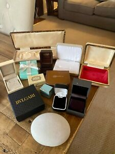 MODERN & ANTIQUE JEWELRY BOXES. VINTAGE JEWELLERY BOXES. JEWELLERS RING BOXES