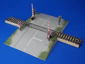 MARKLIN H0 - 7292 - Grade Crossing with half-barriers - M Track / EXC