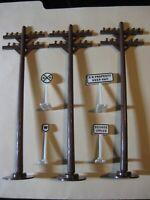 Lionel O Ga 309-9, 309-18, 309-12, 309-24 Signs + 3 Modern Telephone Poles - EXC