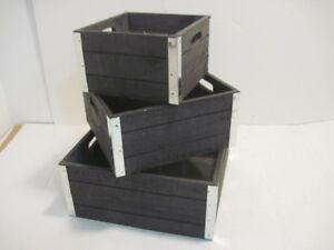 3 OLD WOOD NESTING PLANTER BOXES DECORATIVE STORAGE CRATES PLASTIC INSERTS