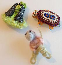 lot 3 broches bijou année 70 déco chien souris tortue en perles couleur 303