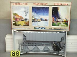 WALTHERS HO SCALE #932-5700 UNDECORATED COVERED HOPPER KIT NEW