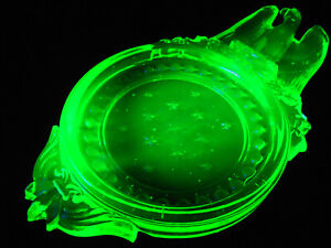 Green Vaseline glass Bald Eagle Ashtray smoking plate coaster uranium cigar tray