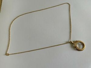 """9ct Yellow Gold Sovereign Decorative Mount & 22"""" Small 9ct Gold Belcher Chain."""