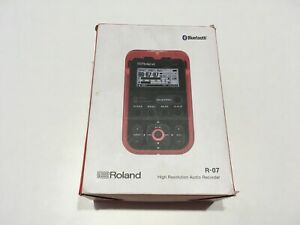 Roland R-07 (RD) Red Hi-Res Audio Recorder Linear PCM Tested