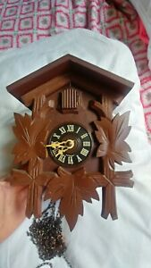 """WOODEN VINTAGE APP 9"""" WOOD GERMANY GERMAN CUCKOO CLOCK FOR PARTS ONLY"""