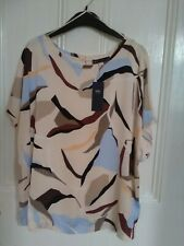 Marks and Spencer Ladies Top size 20  Short sleeves New
