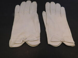 *REAL KID  LADIES CREAM  LEATHER DRESS GLOVES SILK LINED SIZE 6.5 MADE IN FRANCE