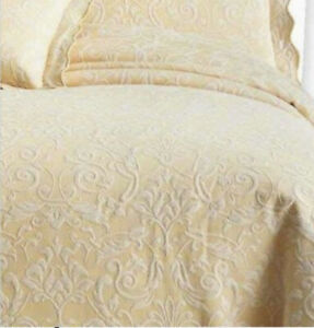 "Royal Velvet Damask Matelasse Twin Coverlet 66""x 86"" Butter Cream"