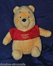 Peluche Doudou Winnie DISNEY NICOTOY Ours Jaune Tee Shirt Rouge 24 Cm Assis TTBE