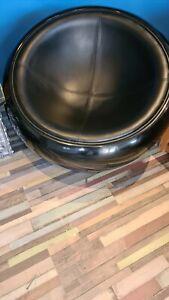 Mid century x 2 vintage  half egg tub pod fibreglass chairs Eero aarnio