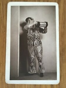 CC LONDON PEARLY KING Smoking PLAYS CONCERTINA c 1900s CABINET PHOTO 9/10