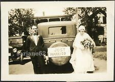 """BRIDE & GROOM  by """"JUST MARRIED"""" SIGN on CAR NH VINTAGE PHOTO"""
