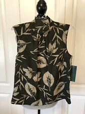 NWT Harve Benard Forest Green And Taupe Women's Crepe Sleeveless Blouse Size 4