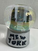 New York City The Big Apple Snow Globe Twin Towers World Trade Center Musical