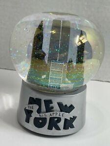 New York City The Big Apple Snow Globe Twin Towers World Trade Center Musical