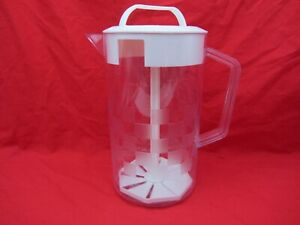 2 Qt PAMPERED CHEF FAMILY SIZE 1/2 GALLON QUICK STIR PITCHER CHECKER BOARD TEA